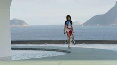 Louis Vitton Cruise 2017 by Nicolas Ghesquière's. Took place in Rio de Janeiro at the Oscar Niemeyer-designed Niterói Contemporary Art Museum | Vs Magazine