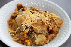 EASY Crockpot Cheesy Potato Hamburger Casserole. Made for dinner last night and it was YUMMY!