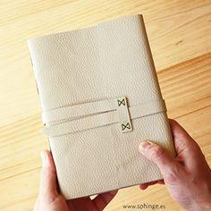 Handbound leather journal / diario de piel encuadernado a mano