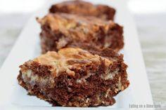You will love this easy German Chocolate Cake Cheesecake Bars Recipe! Cheesecake and German chocolate make a tasty dessert. Try this easy dessert. Easy German Chocolate Cake, Chocolate Cake Mixes, How To Make Chocolate, Easy Desserts, Delicious Desserts, Pumpkin Crunch, Cake Mix Cookies, Cheesecake Bars, Cake Recipes