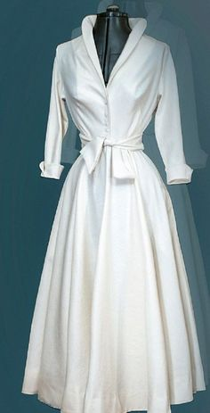 Amazing white shirt dress Miladies net is part of Soft Edgy fashion Band Tees - Amazing white shirt dress Miladies net Elegant Dresses, Vintage Dresses, Casual Dresses, Vintage Outfits, Fashion Dresses, Vintage Fashion, 50s Dresses, French Fashion, Retro Mode