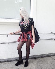 """5,995 curtidas, 147 comentários - Mariana Devogeski  (@maridevogeski) no Instagram: """"pra quem tá reclamando: uso essa brusinha toda hora sim, não roubei do namorado a toa"""""""