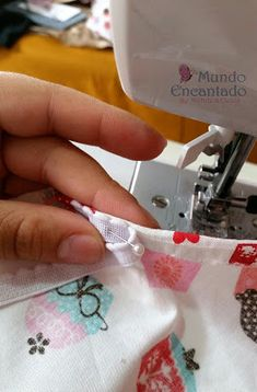 Mundo Encantado da Miih: PAP - Touca Cozinheiro Hat Patterns To Sew, Funky Design, Diy Crafts To Sell, Needlework, Sewing, Bandanas, Things To Sell, Aprons For Kids, Sewing Aprons