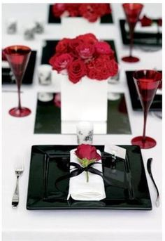 Black white and red wedding tablescape & Bridal shower....black white damask and red florals | Decorations ...