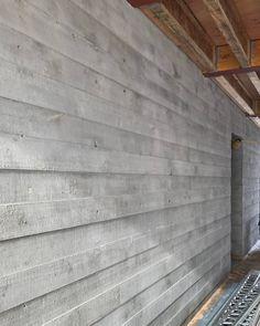Board Formed Concrete, Concrete Facade, Concrete Architecture, Concrete Fireplace, Concrete Texture, Concrete Wood, Architecture Details, Modern Architecture, Fireplace Outdoor