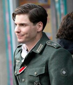 Daniel Bruhl - Quentin Tarantino On The Set Of 'Inglourious Basterds'