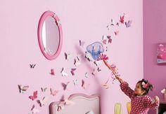 Des papillons en papierDans de jolis papiers de toutes les couleurs, réalisez despapillons en papieret pleins d'autres créations faciles et rapides.Temps : 2 minutes par papillon