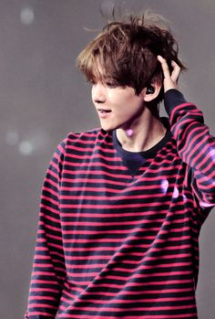 EXO // BAEKHYUNhttp://pin.it/B_LhCR2