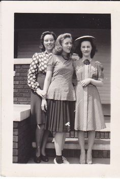 Vintage Snapshot Photograph Pretty Young Teen Girls Dress Hat House 1940s skirt blouse