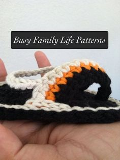 Hey, I found this really awesome Etsy listing at https://www.etsy.com/listing/101919119/pattern-crochet-baby-sandals