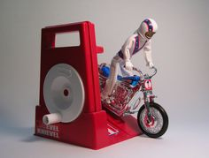 Evel Knievel Stunt Cycle I don't remember what year I got this, but damn it was awesome. You'd crank the wheel to generate power and let him rip. Remember the Evel Knievel Scramble Van, too? My Childhood Memories, Childhood Toys, Best Memories, 1970s Childhood, Magic Memories, 1970s Toys, Retro Toys, 1980s, Vintage Toys 80s