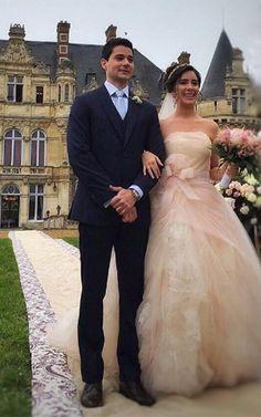 Sobrinha de Ayrton Senna se casa em castelo na França https://donaelegancia.wordpress.com/2016/05/11/sobrinha-de-ayrton-senna-se-casa-em-castelo-na-franca/