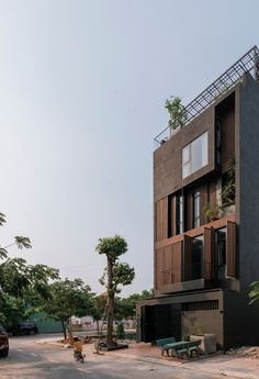 Galeria de Casa C-maison / Architect Hoang Vu - 4 Luz Solar, Create A Family, Exterior, Front Elevation, Living Room Kitchen, Glass Door, Building Design, Multi Story Building, Journey