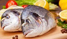 Zacusca de pește este una din cele mai vechi, sănătoase și ușor de făcut rețete românești. Se prepară cu pește proaspăt, un soi care are cât mai puțini spini și oase posibil. Se poate încerca novac, crap, macrou, știucă, sau orice alt pește preferat. Peștele oceanic conține mai mult iod și Omega-3. Se folosesc inclusiv oasele (macerate), care conțin foarte mult fosfor.