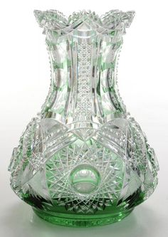 Váza * broušené zelené křišťálové sklo * Bohemia Crystal CZ.