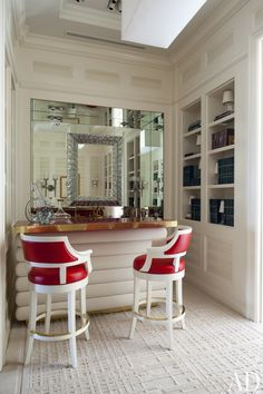 Step Inside 18 Stylish Spaces With At Home Bars Perfect For Easy  Entertaining Bar Salon