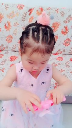 Cute Toddler Hairstyles, Easy Little Girl Hairstyles, Prom Hairstyles For Long Hair, Baby Girl Hairstyles, Creative Hairstyles, Cool Hairstyles, Hair Style Vedio, Long Hair Designs, Girl Hair Dos