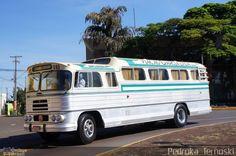 Ônibus da empresa Viação Garcia, carro G93, carroceria Nielson Diplomata, chassi FNM Alfa Romeo D-11.000. Foto na cidade de Apucarana-PR por Pedroka Ternoski, publicada em 28/01/2013 15:38:05.