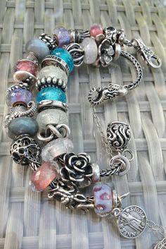 Glow beads , aurora labradoriti pink delight trollbeads . By Quina Quini