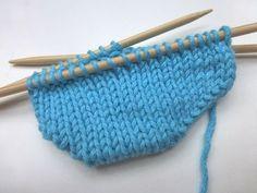 Neuen : Gebreide sokken met eliZZZa # 08 * Toe Up Socks * eliZZZa& Super Easy Perfect Toe Socks , Baby Boy Booties, Crochet Baby Shoes, Baby Boots, Knitting Socks, Baby Knitting, Knitted Hats, Crochet Stitches, Knit Crochet, Knitting Videos