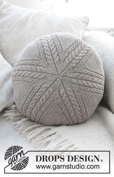 Dagens gratisoppskrift:  Sand Tracks Pillow   Strikkeoppskrift.com