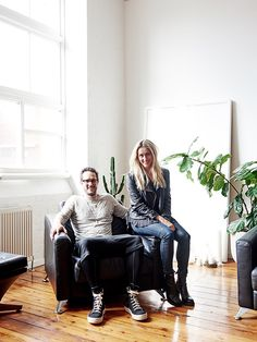 A pair of Aussie creatives apply a cool, collected aesthetic to their laid-back rental.