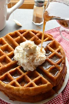 Apple Butter Waffles with Cinnamon Syrup - Sugar Dish Me Cinnamon Waffles, Cinnamon Syrup, Pancakes And Waffles, Apple Cinnamon, Waffle Maker Recipes, Waffle Toppings, Brunch Recipes, Breakfast Recipes, Pancake Recipes