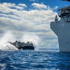 A landing craft air cushion (LCAC) from Assault Craft Unit (ACU) 5 enters the well deck of the Wasp-class amphibious assault ship USS Essex. Did you know that LCACs are capable of carrying a 60-75 ton payload? #AmericasNavy #USNavy #Navy navy.com