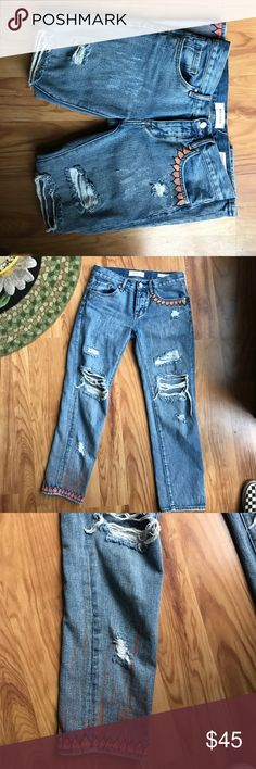Hand painted pacsun boyfriend jeans Supper comfy good fit. I painted them myself. Size 23. Lightly worn. 45$ because I spent a long time customizing these PacSun Jeans Boyfriend