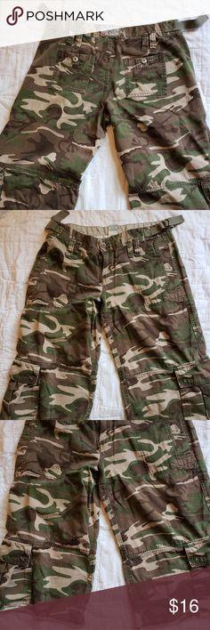 Roxy Camouflage Skate Shorts Women's 5 So cute long style Roxy Shorts Cargos