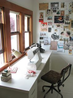 Tableau d'inspiration / Sewing Rooms Design, Pictures, Remodel, Decor and Ideas - page 7 Sewing Room Design, Sewing Spaces, Sewing Studio, Sewing Rooms, Home Office, Thrift Store Crafts, Studio Room, Angled Ceilings, Space Crafts