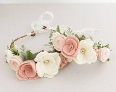 Ideas For Crochet Baby Crown Felt Flowers Diy Baby Headbands, Felt Headband, Flower Headbands, Flower Hair, Felt Diy, Felt Crafts, Felt Flowers, Fabric Flowers, Diy Flowers