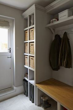 Richmond Bell Architects worked closely with Chloe Cooke Design and Construction to produce a contemporary ground floor extension for this traditional… – Mudroom Mudroom Laundry Room, Laundry Room Design, Kitchen Designs, Boot Room Utility, Utility Room Designs, Hallway Storage, Boot Room Storage, Cloakroom Storage, Home Design