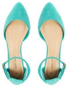 Zapatos planos verde menta en dos partes con tira Kuzzle de New Look