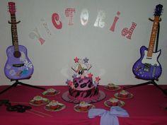 Mesa de Torta de Hanna Montana. Decoracion de Lisbette Monasterios. @creativelis