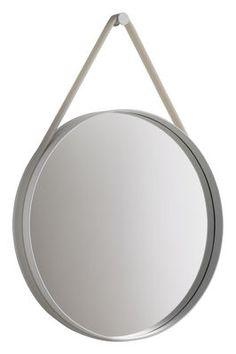 Spiegel Strap Ø 70 cm, Ø 70 cm -  Fassung hellgrau / Halteband hellgrau von Hay finden Sie bei Made In Design, Ihrem Online Shop für Designermöbel, Leuchten und Dekoration.