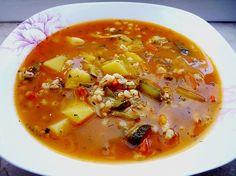 Rassolnjik Suppe, ein tolles Rezept aus der Kategorie Geflügel. Bewertungen: 34. Durchschnitt: Ø 4,5.