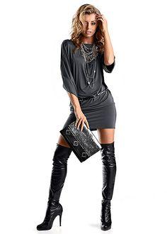 Look sexy într-o rochie de club mini cu mâneci largi, lungime cca. 92 cm. 96% viscoză, 4% elastan.