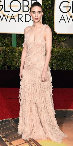 Golden Globes 2016: The Most Intense Cleavage of the Night | People - Rooney Mara in a light pink Alexander McQueen