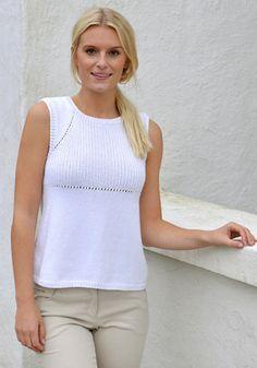 Gratis strikkeopskrifter   Strikket top til sommer  Enkel striktop i hvid du selv kan strikke   Håndarbejde