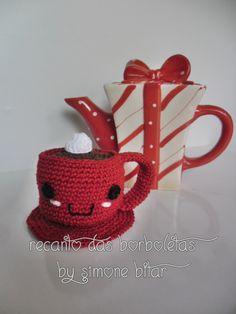 <3 Um café e um amor.  Quentes, por favor!  Amigurumi Xícara de Café com Creme. Quer saber mais? Vem aqui: http://recantodasborboletas-simoninha.blogspot.com.br/