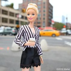 In New York we're always on the move! Grabbing a coffee before my next event. #NYFW #barbie #barbiestyle