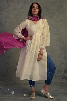 Casual Indian Fashion, Indian Fashion Dresses, Ethnic Fashion, Indian Outfits, Trendy Fashion, Fashion Outfits, Pakistani Dresses Casual, Pakistani Dress Design, Pakistani Kurta Designs