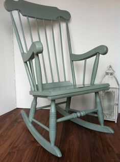 Perfect Vintage Painted Duck Egg Blue Rocking Chair Par LittleVintageHome, $200    Front Door Seating Option