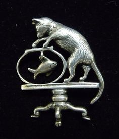 Vintage Signed Sterling Silver Jezlaine Ornate Pierced Filigree Cat Pin.