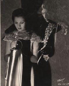 "vanias-vintage-monstrosity: "" Irene Ware and Bela Lugosi ~ Chandu the Magician, 1932 "" Hollywood Stars, Classic Hollywood, Hollywood Glamour, Irene, Kodak Photos, Zoolander, Thing 1, Vintage Horror, Horror Films"