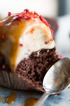 Czekoladowe muffiny z cukinii Chocolate Zucchini Muffins, Weekly Menu, Vegan Cake, Vegan Sweets, Cupcake Cakes, Cupcakes, Mashed Potatoes, Hamburger, Healthy Lifestyle