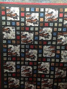 This one would allow you to showcase large block prints (Horses by Jessicas… Horse Fabric, Horse Quilt, Big Block Quilts, Quilt Blocks, Quilting Projects, Quilting Designs, Western Quilts, Wildlife Quilts, Cowboy Quilt