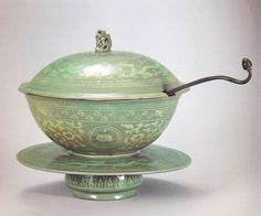 Celadon lidded bowl and pedestal
