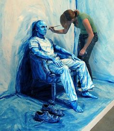Alexa Meade, from D.C, has created a new art form it seems. She likes to blend people into her creations in a pretty unusual way. With her aesthetic, she manages to play around skillfully combing paint, portraiture, photography and performance.